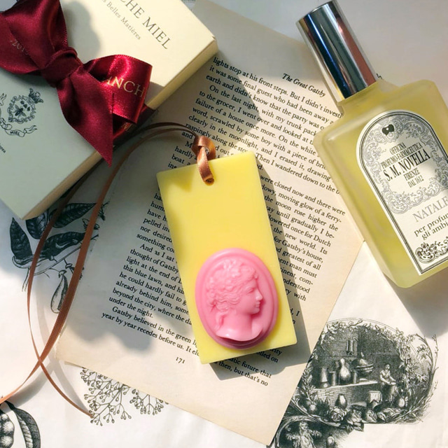 pink cameo wax tablet - spring yellow